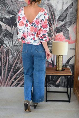 Pull à fleurs décolleté dos Sisley